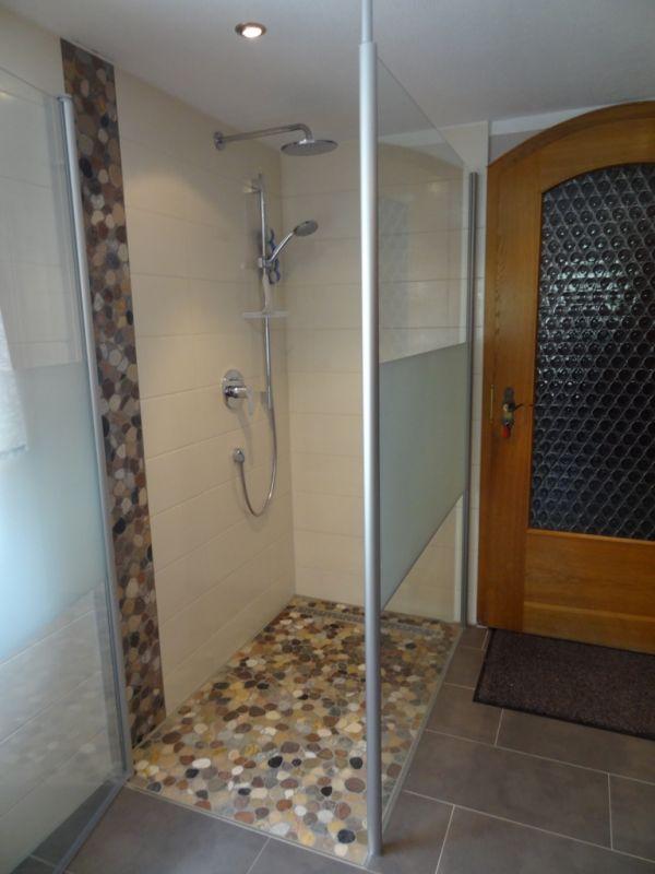 Neue Dusche In Flusssteinmosaik Waalhaupten Singoldbau Gmbh